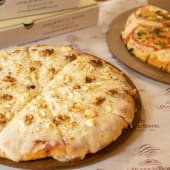 Pack Grupo Pizza (2 pizzas + 4 bebidas)