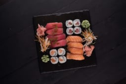 Tuna & salmon set