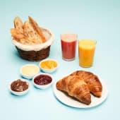 Śniadanie Charlotte dla Dwojga  ze świeżym sokiem
