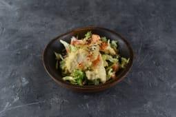 Салат з куркою і тигровими креветками (260г)