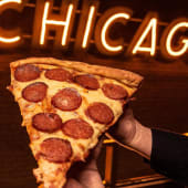 Pizza Slice Chicago Style 32cm (Porción)