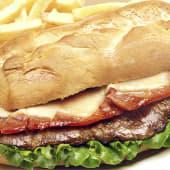 Sándwich de Lomito con Tocino y queso