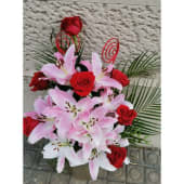 Ramo De Lilium Y Rosas Rojas