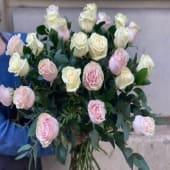 Ramo De Rosas Blancas Y Rosadas