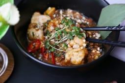 Курка Кунь По з горіховим соусом (200г)