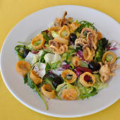 Hrskava salata sa lignjama