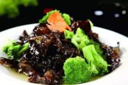 Салат из грибов и брокколи