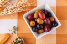 Оливки та маслини mix (100г)