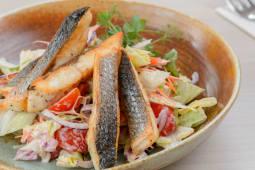 Crunchy fish salad, iogurt dressing