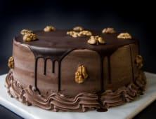 ტორტი ნიგვზით და შოკოლადის შიგთავსით