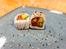 Spicy salmón crunch roll (8 uds.)