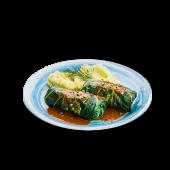 Gołąbki z mięsem i ryżem, młode ziemniaki