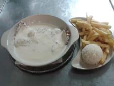 Bife ao Pimenta, Batata Frita e Arroz