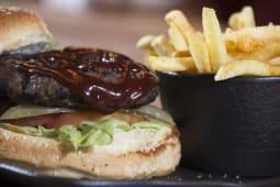 BBQ Soslu Acılı Burger