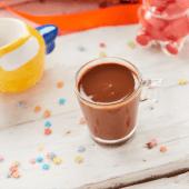 Vaso de chocolate caliente sin lactosa