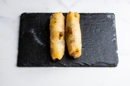 Rollitos vegetales con setas shitake y verturas (2 uds.)