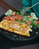 Французький омлет з лососем
