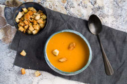 Supa crema de legume cu crutoane