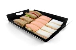 Bandeja de sándwich en tres clases de panes