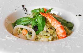 Фетучині з морепродуктами в вершковому соусі (230г)