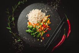 Рис з овочами (370г)