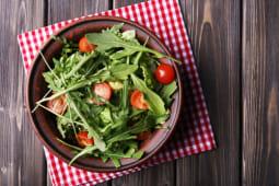 Salada de Rúcula, Alface, Tomate e Oregãos