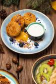 Сирники з тофу з соусом із маракуйи (180/50г)