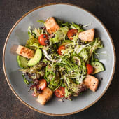 Салат з підсмаженим лососем (300г)