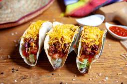 Tacos cu chilli con carne