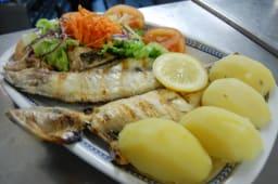 Dourada, Salada e Batata Cozida