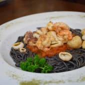 Spaghettini Nero De Sepia Y Frutti Di Mare