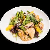 Теплый салат с морепродуктами и апельсинами