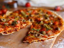 Pizza Chilli con Carne Tortilla