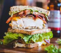 Chicken club sandwich sin gluten (new)