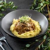 Бефстроганов з грибами та картопляним пюре (320г)