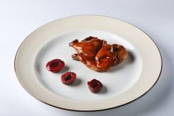 Французский цыпленок кукурузного откорма