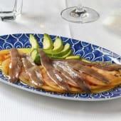 Anchoas de Santoña con tomate natural y aceite de oliva virgen /6 uds
