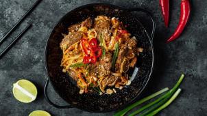 Рисова локшина з яловичиною під соусом Сатай (300г)