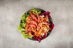 Svježa miješana salata