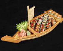 Flying dragon (sushi boat)