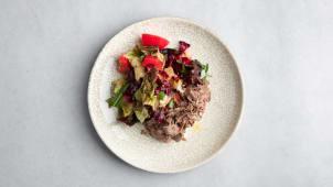 Салат с ростбифом и рикоттой