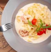 Паста з вершковим соусом та креветками (350г)