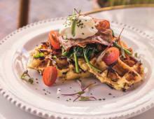 Waffles de Puré de Batatas e Queijo