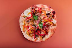 Pizza verdure croccanti e fior di latte