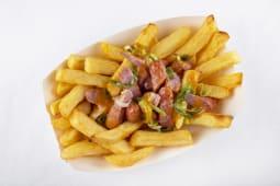 Печена картопля фрі з ковбасками (300г)