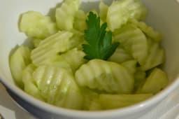 Salată de castraveți verzi