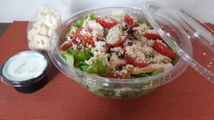 Cezar salata sa dresingom i krutonima
