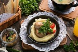 Котлети з індички з картопляним пюре (100/150г)