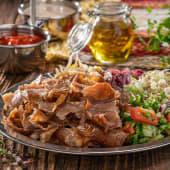 Talerz kebab z sałatkami 180g
