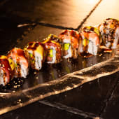 Rainbow Roll (8 uds.)